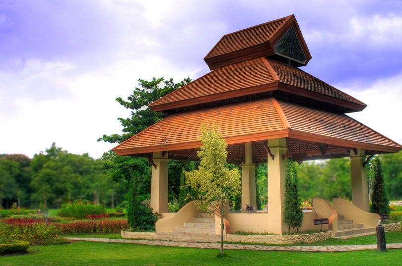 Paviljong vid hot springs i Chiang Mai.