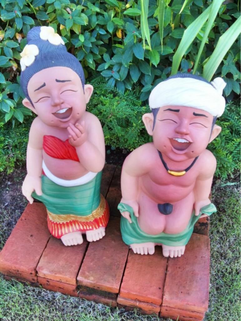 Snuskiga statyer i Thailand.